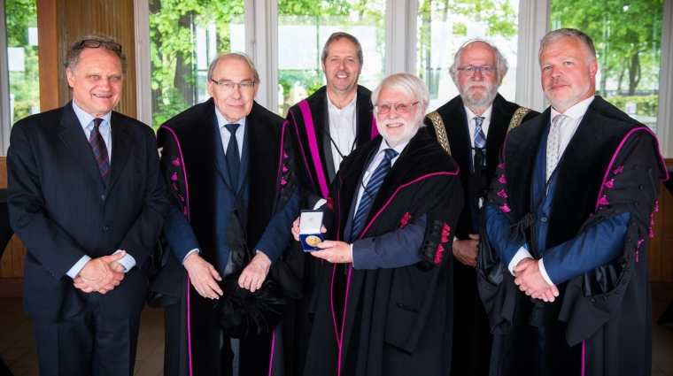 Em. Prof. Dr. Renson ontvangt Sarton medaille
